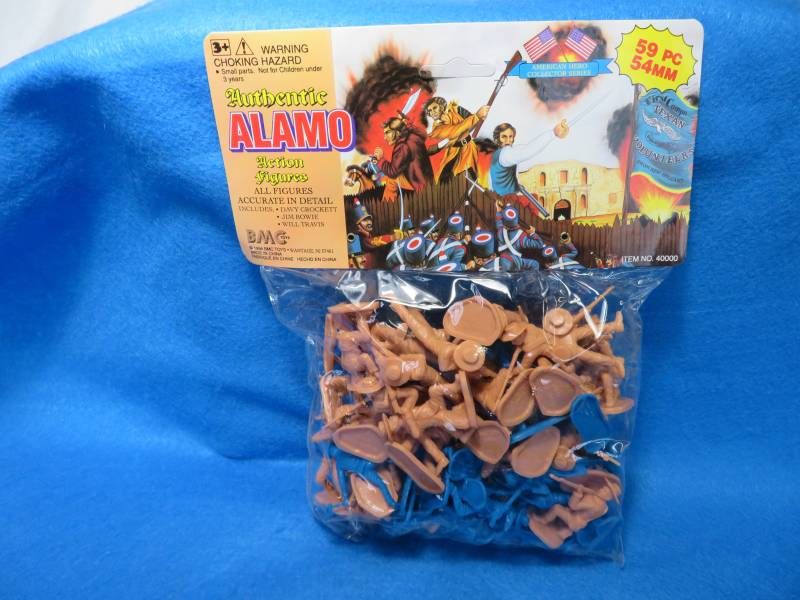 BMC Alamo Texan w/Davy Crockett, Jim Bowie and William Travis (Tan) and Mexicans w/round hats (blue)--59 pieces (54mm)