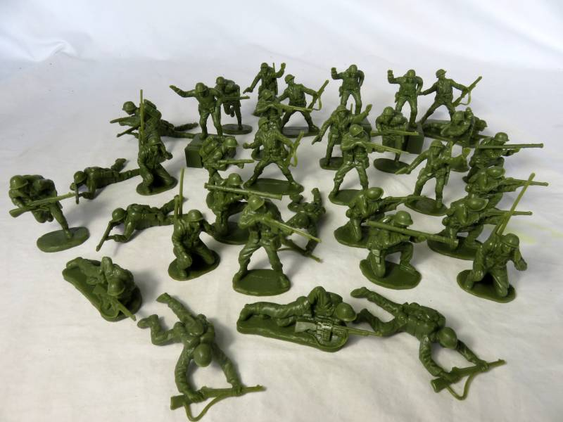 BMC144A Iwo Jima U.S. Marines (54MM) 36 in 12 Poses