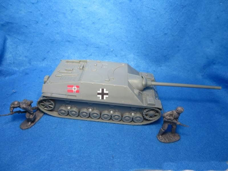 WW2 Jagdpanzer IV Tank Destroyer- Gray, 1/32