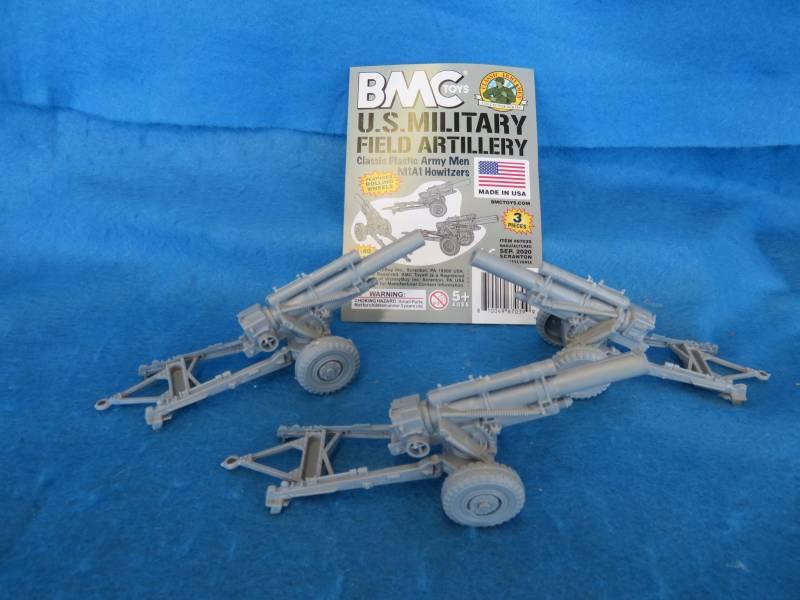 BMC/Marx WWII U.S. M1A1 howitzers X3, gray plastic,   1/40