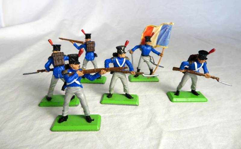 Britain Deetail original Napoleonic French infantry ,6 figures in 3 poses, 1/32