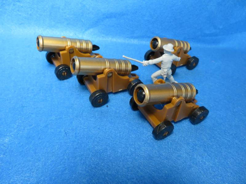 Ship/Fort firing cannon-18th century,plastic,X4
