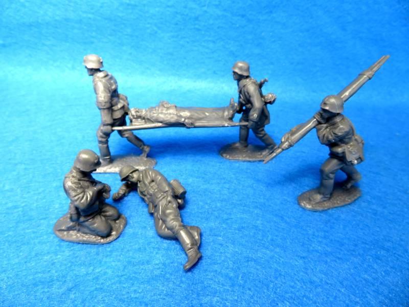 German Medical Team set #1 6 figures in 6 poses (gray) <FONT COLOR=#CC0000>(54mm) </FONT>
