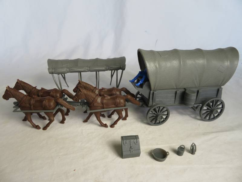 Conestoga Wagon (gray) w/2 different  tops (gray),(1/32) 4 horse hitch and driver (gray) <font color=#CC0000>(54mm) </FONT>