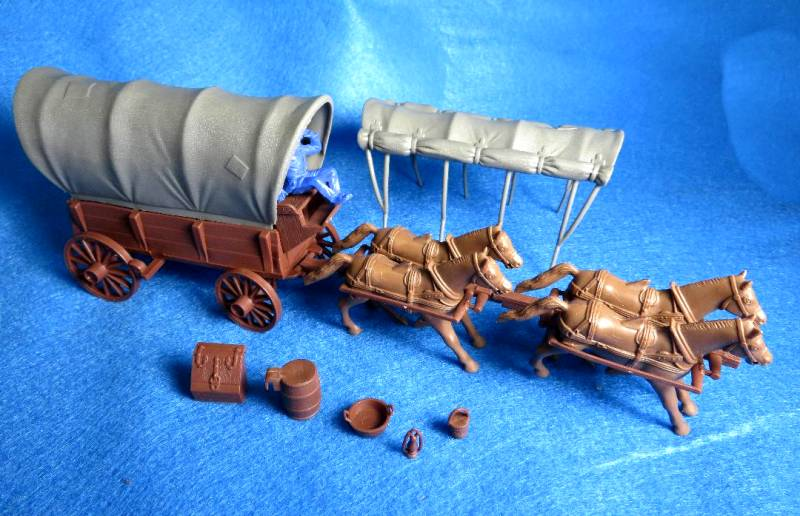 Conestoga Wagon (brown) w/2 different tops (gray), 4 horse hitch and driver  <font color=#CC0000>(54mm) </FONT>