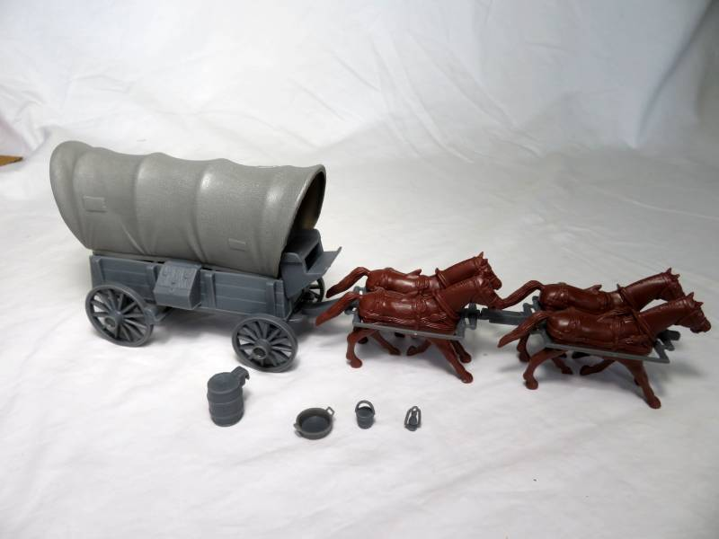 CTS Conestoga Wagon in gray with two tops in gray with 4 horses in 54mm