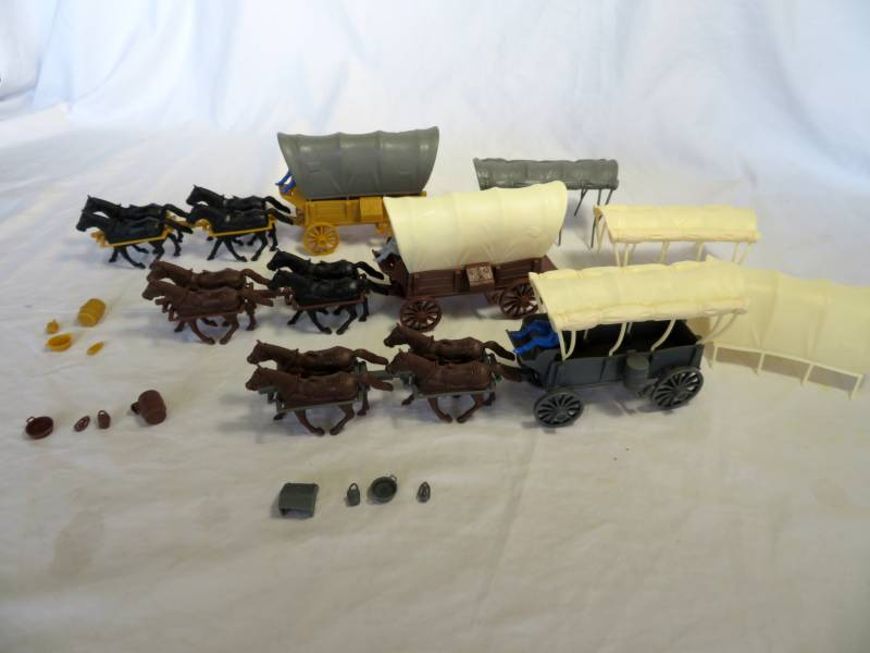 Wagon Train Special-3 covered wagons+ free goods