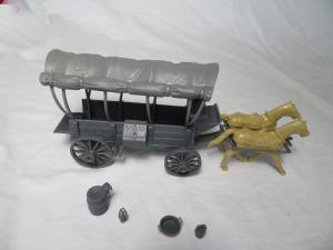 CTS Conestoga Wagon in gray with two tops in gray with 2 horses in 54mm