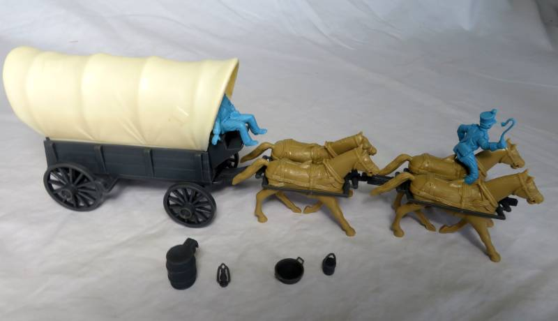 CTS Conestoga Wagon gray with two tops, 4 horses and two Mexicans figures