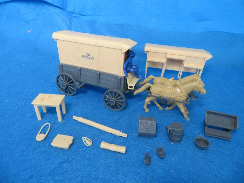 U.S. Cavalry Square Top Wagon -- body (gray) w/2 different (cream) tops and (blue) driver  <font color=#CC0000>(54mm) </FONT>