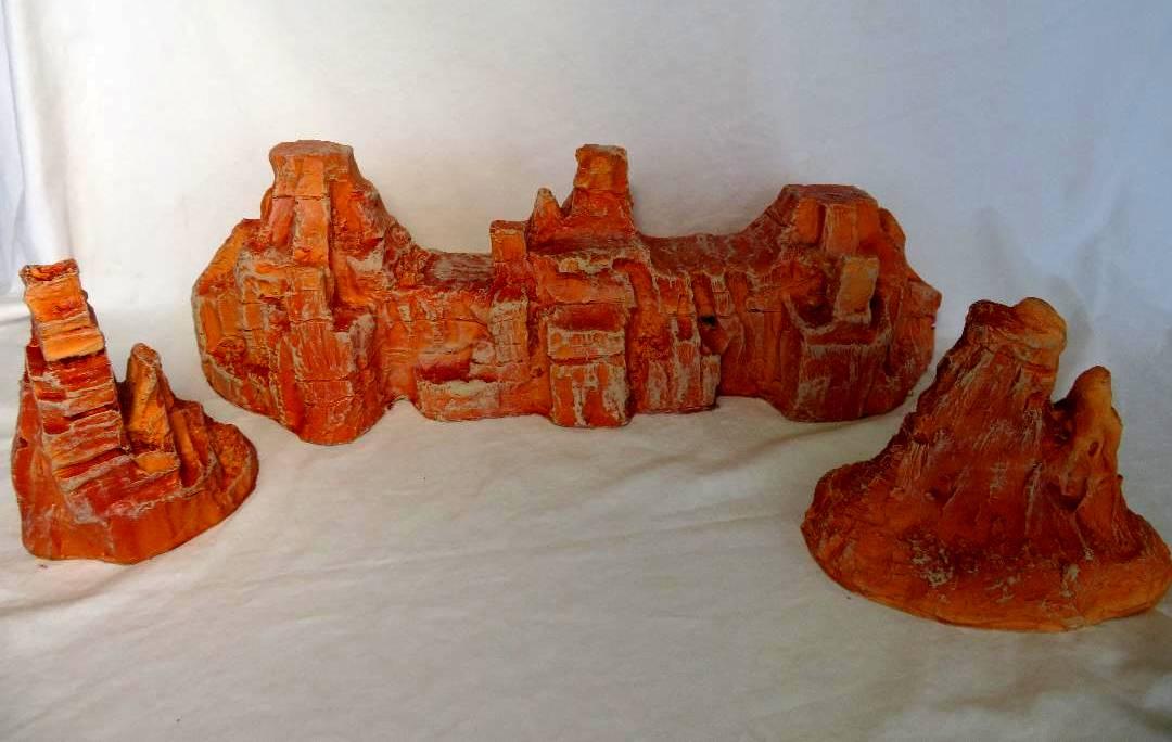 Rock Formation 3-pieces (35''L x 6.5''H x 5'' W)   <font color=#CC0000>(54mm) </FONT>