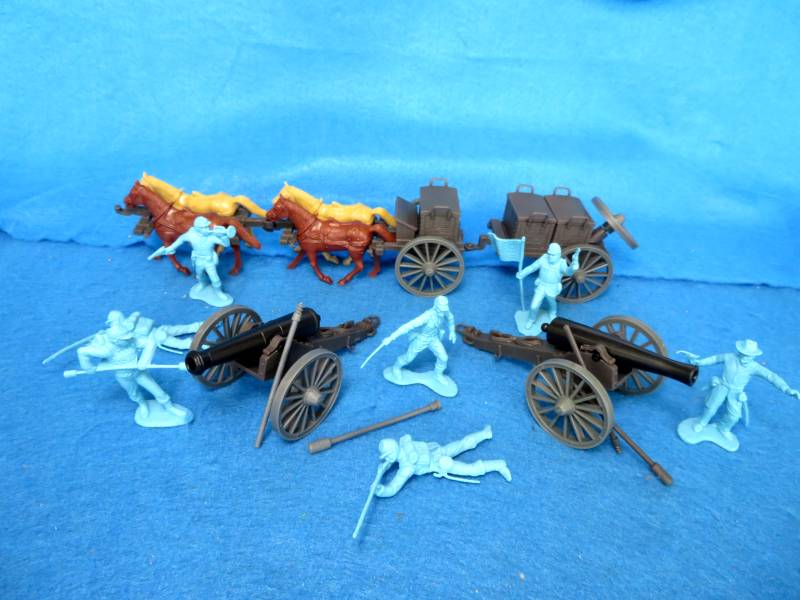 CTS Civil War Union Artillery Battery: One Limber and Caisson, 2 cannon and 7 figures