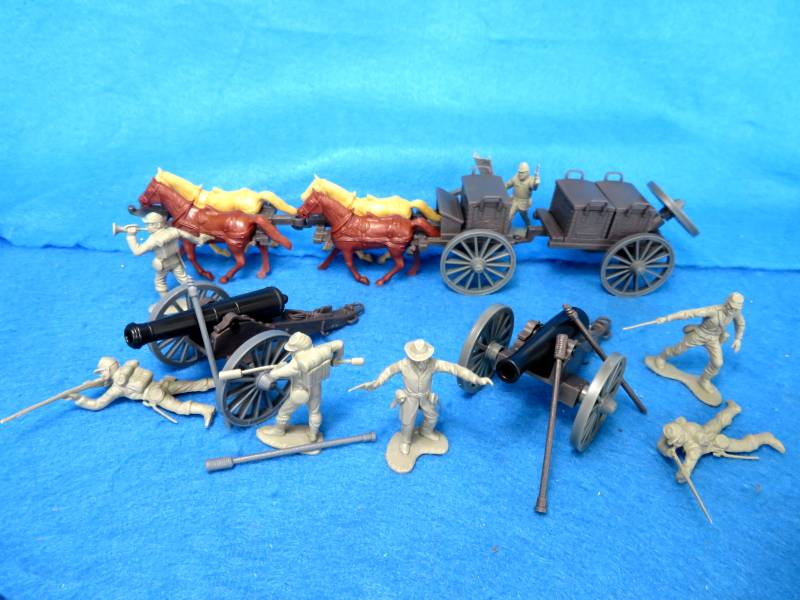 CTS Civil War Confederate Artillery Battery: One Limber and Caisson, 2 cannon and 7 figures in gray