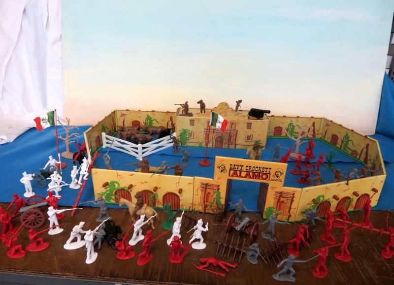 Alamo Playset -- 105 pieces (s&h $25) <FONT COLOR=#CC0000>(54mm) </FONT>