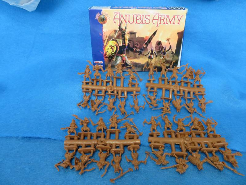 Dark Alliance Anubis Army 40 figures in 10 poses 1:72 scale