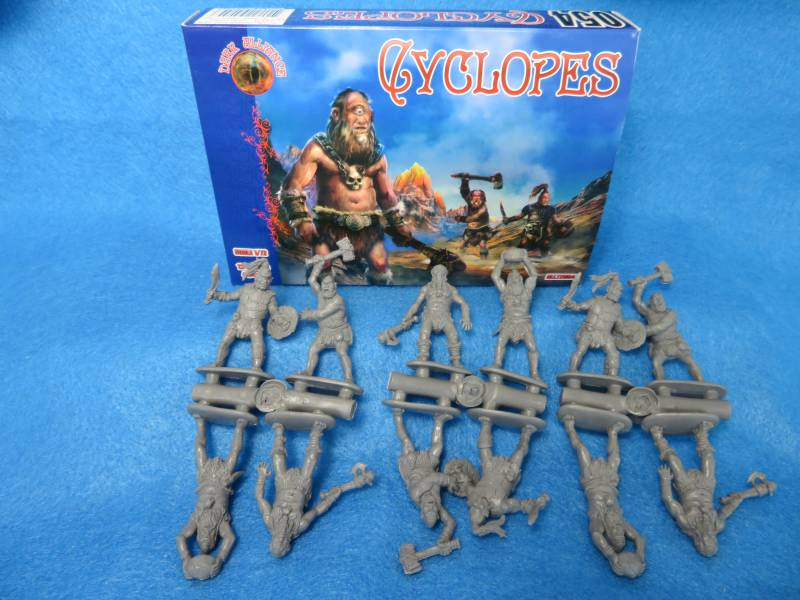 Dark Alliance Cyclopes 12 figures in 4 poses 1:72 scale (72054)