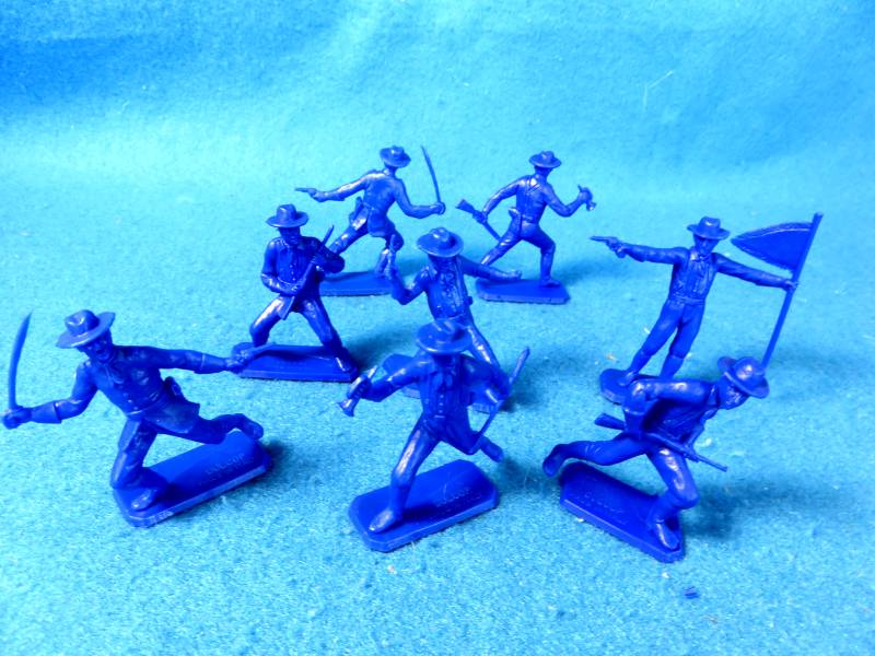 DUL110A US Cavalry afoot (54MM) 8 in 6 poses