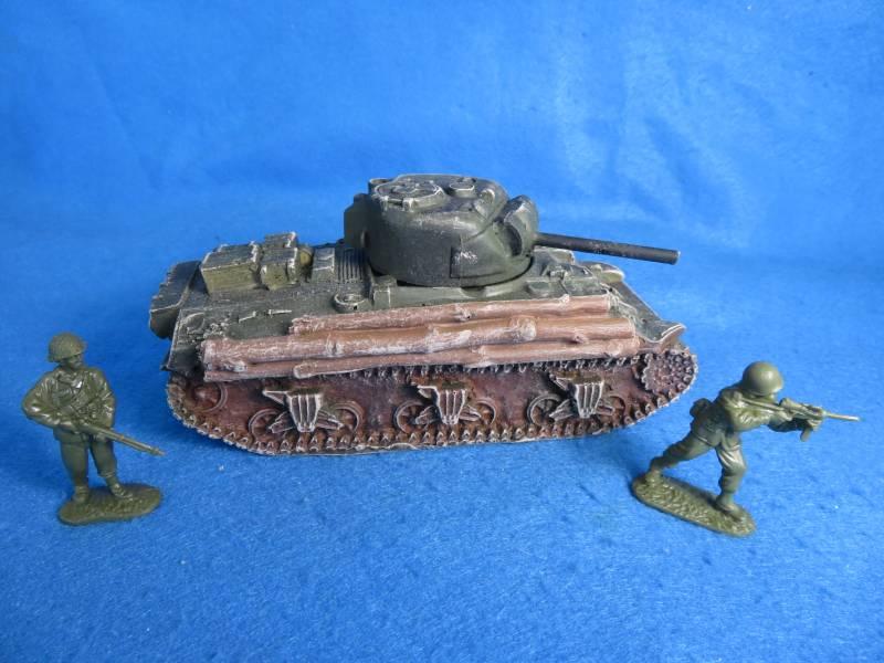 U.S. Sherman tank WWII, 7 1/2X4X4