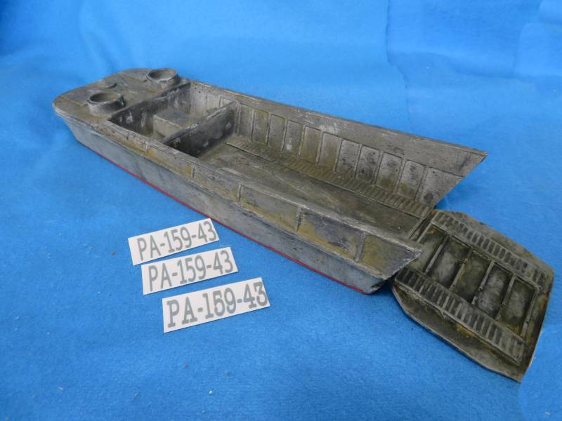 U.S. WWII landing craft (LCVP), hard foam 16