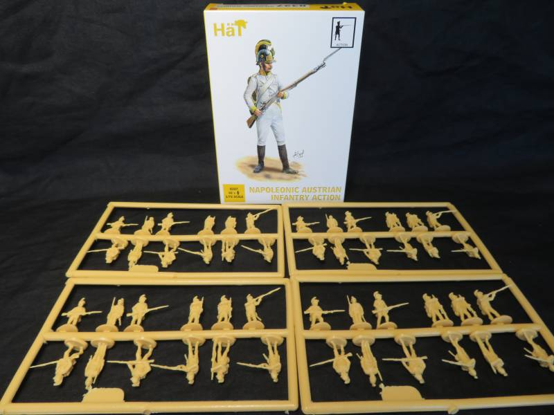 HAT8327 Napoleonic Austrian Infantry Action (25MM) 48 Pieces