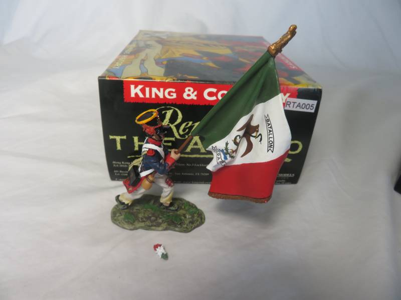 King & Country RTA005 Mexican Matamoros Regt flagbearer,1/30,metal