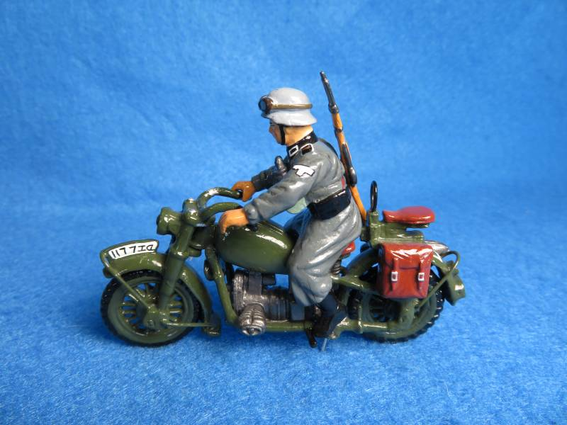 King&Country WWII German Army dispatch motorcycle, metal painted
