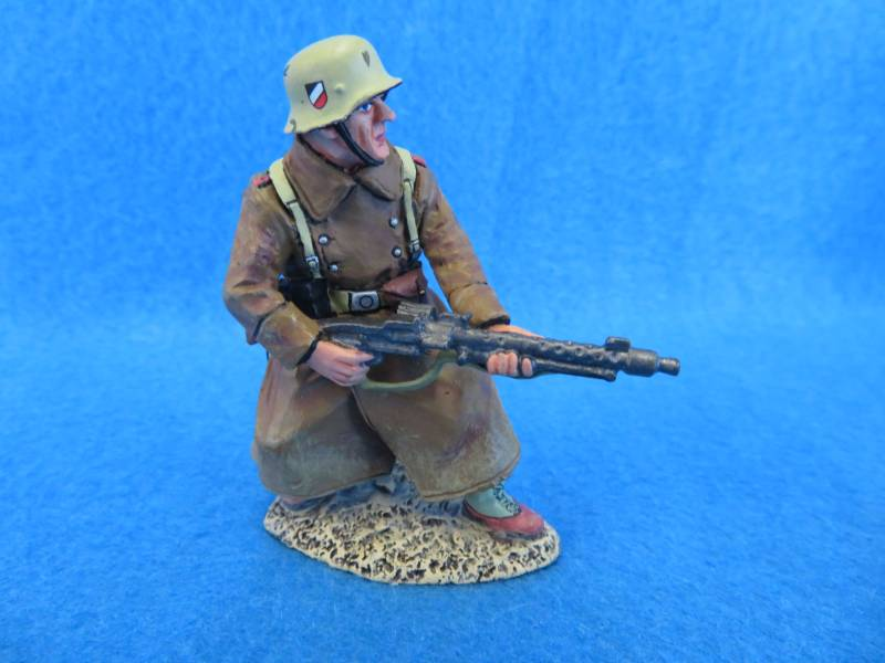 King&Country Africa Korp soldier w/ heavy MG, in box, 1/32