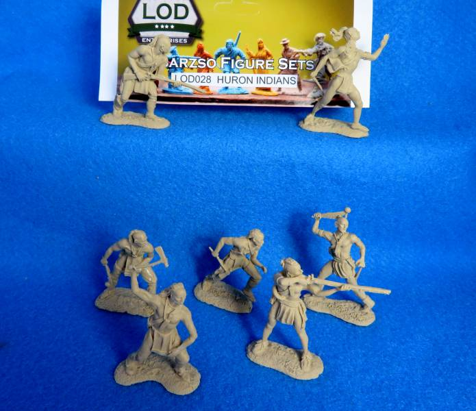 LOD/Barzso Huron Indians: 7 figures in 7 poses in tan (54MM)
