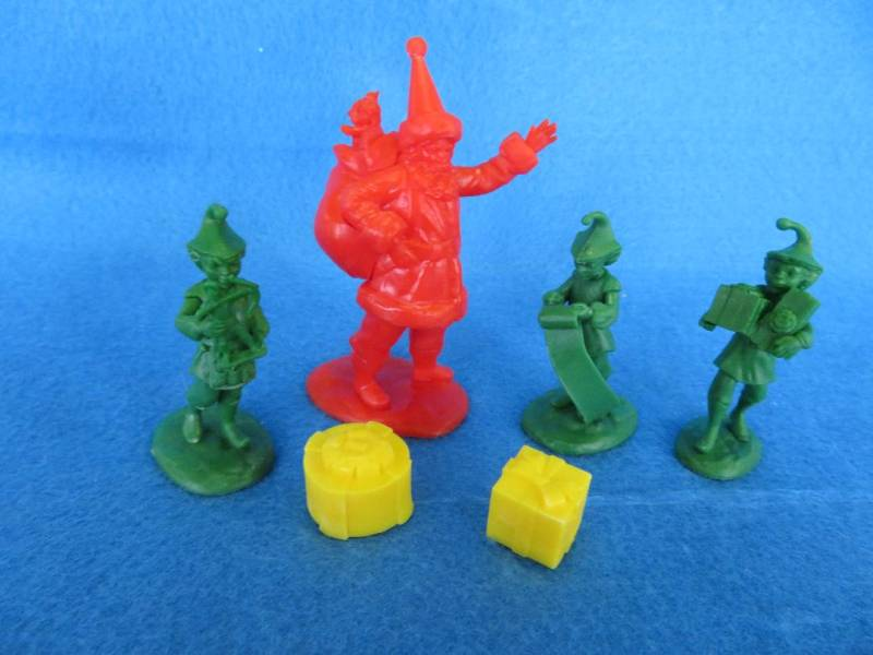 LOD North Pole Santa and his Elves, 60mm, plastic