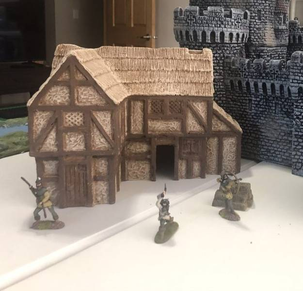 LOD Enterprises: Medieval Large House/Tavern  painted