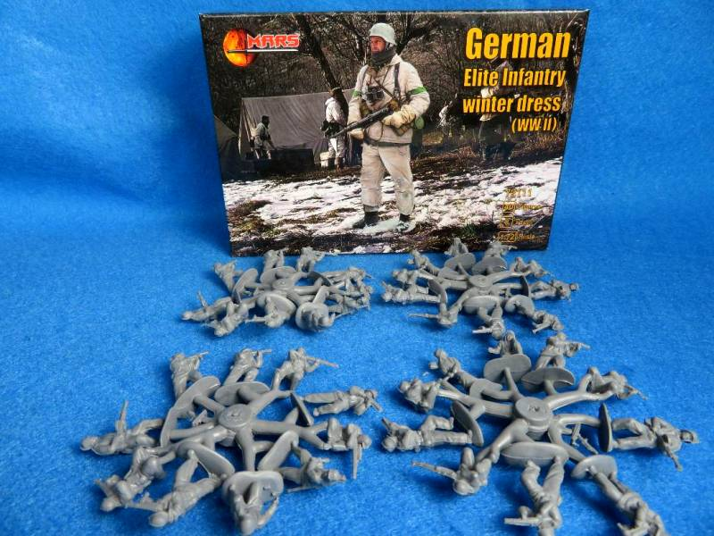 MAR087A WWII German Elite Inf-winter dress, 1/72, 40 figures in 8 poses