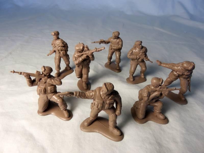 Mars, U.S. Delta Force- 15 figures in 8 poses (54MM) #32011