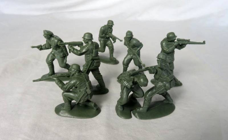 Mars WWII German Panzer Grenadiers, 15 in 8 poses (32018), 54mm