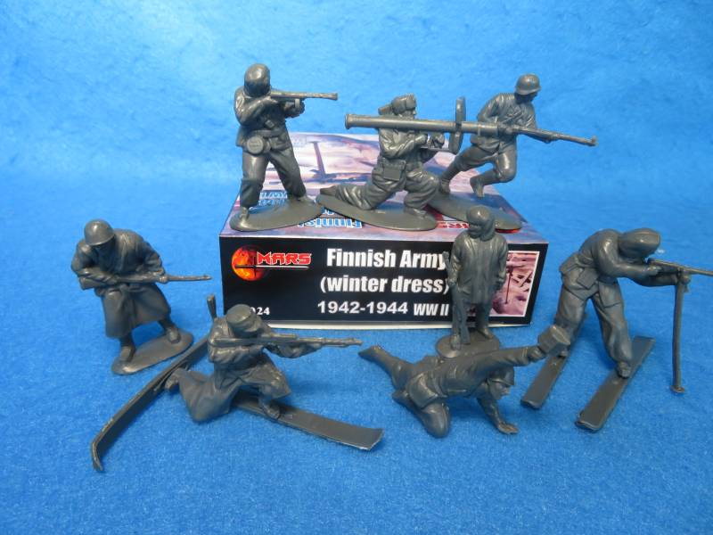 Mars #32024 WWII Finnish Army-winter/skis, 54mm 12 figures 8 poses