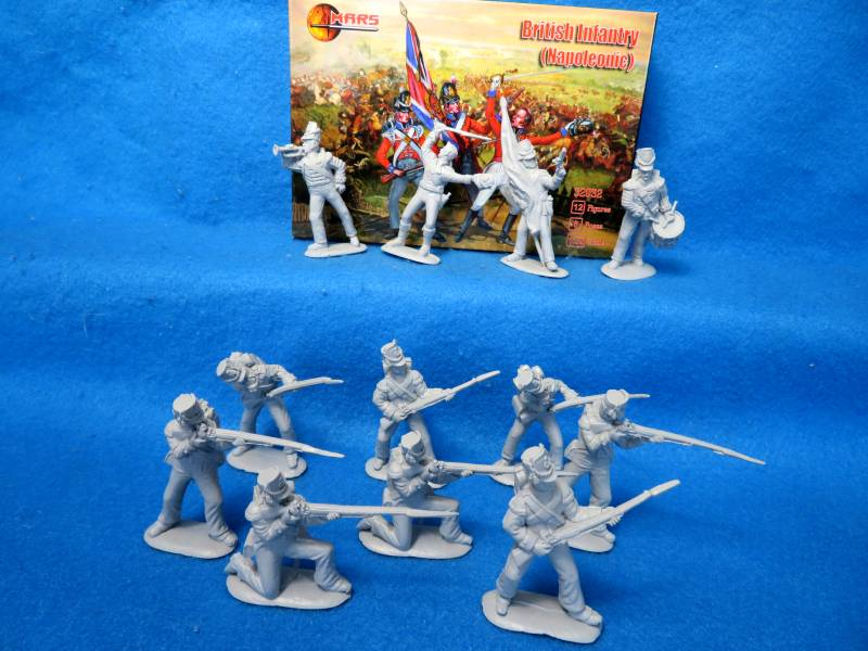Mars #32023 Napoleonic British Infantry, 54mm 12 in 8 poses, gray