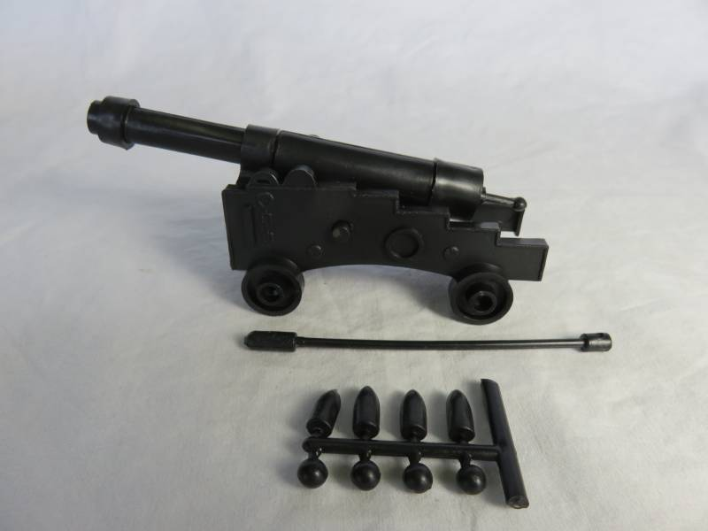 Pirate Ship Cannon 5 inches long CANNON IS BLACK <FONT COLOR=#CC0000>(54mm) </FONT>