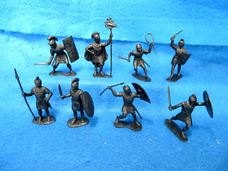 MARX: 60MM Romans, 8 Figures in 8 poses dark Silver