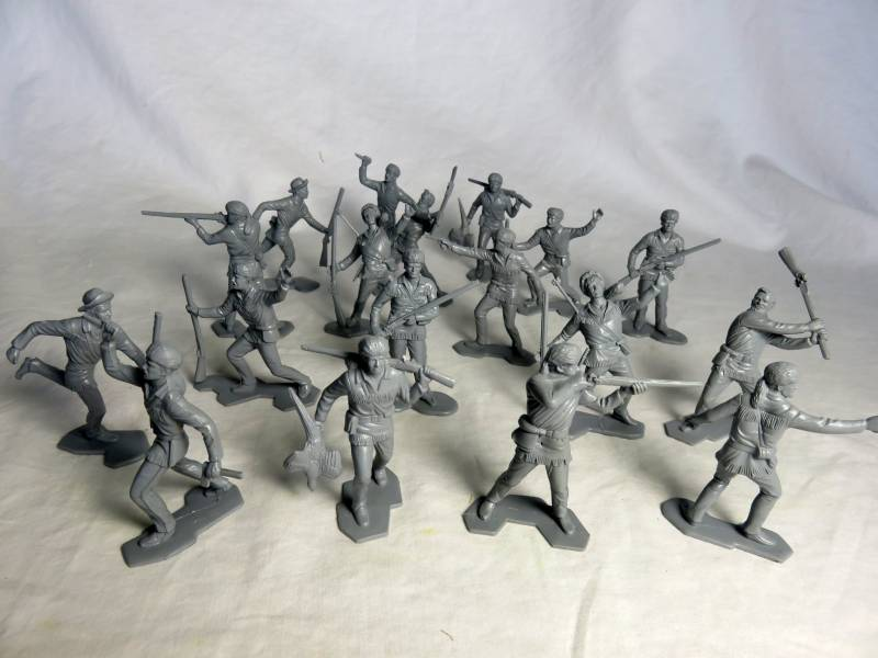 Marx Boonesborough pioneers in  gray, 18 in all 9 poses, 54mm