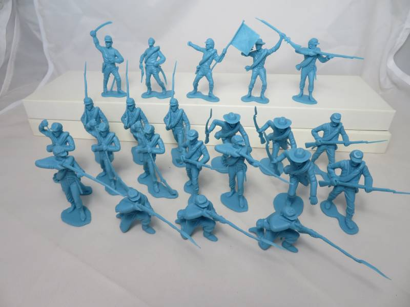 Confederate Infantry 1st issue 22 figures in 10 poses (light blue) (54mm)