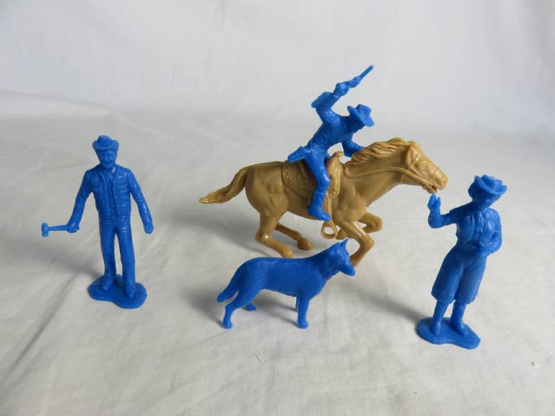 Roy Rogers set of character figures, blue, by Marx (54mm)