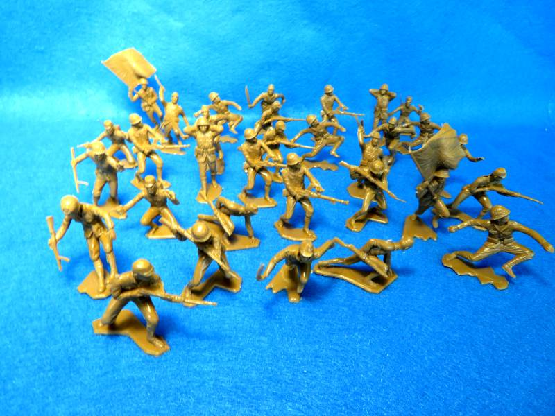Marx WWII Japanese infantry,32 figures in all 12 poses, light brown, 54mm