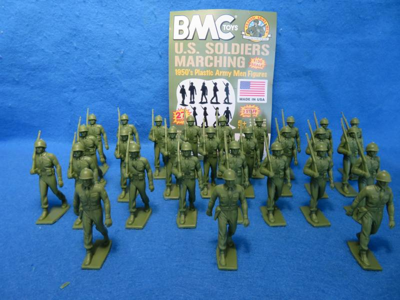 Marx Marching GI's 27 figures in 2 poses  (od green) <FONT COLOR=#CC0000>(60mm) </FONT>