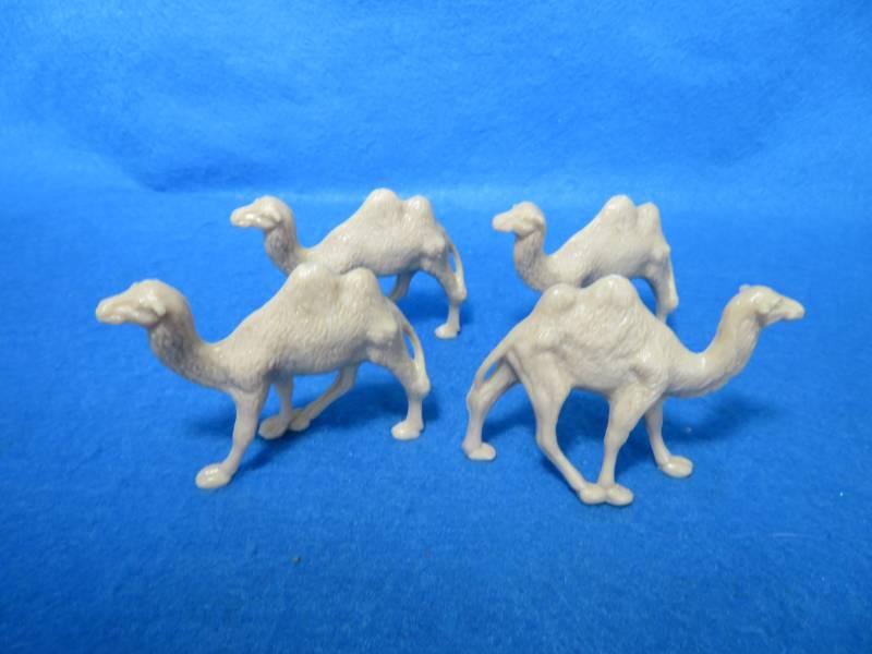 FOUR Marx Captain Gallant playset camel light tan