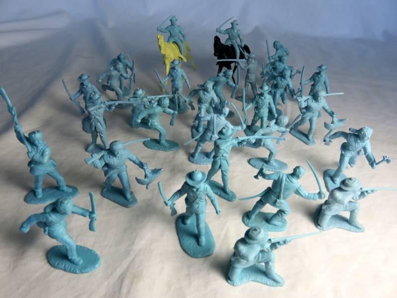 Marx vintage 54mm frontiersmen/cavalry,light blue