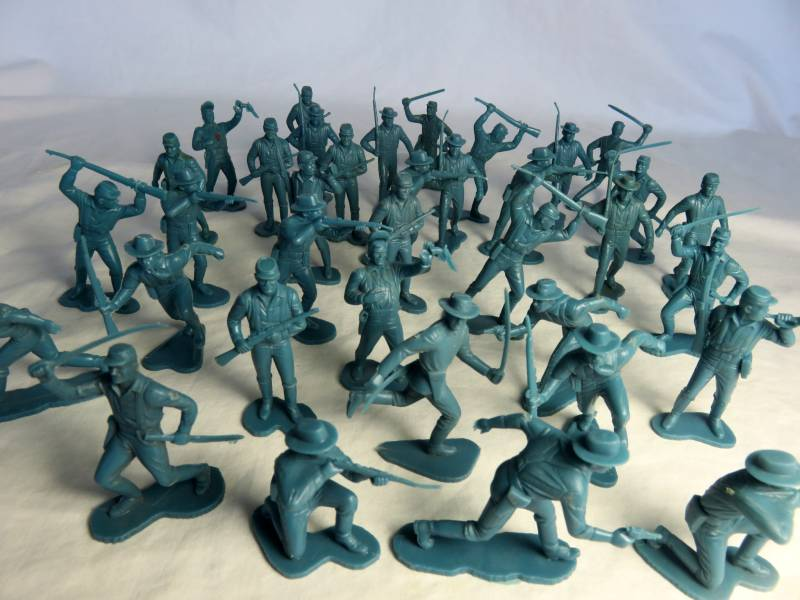 Marx vintage 54mm plains wars cavalry a foot,36 in all 12 poses, aqua blue
