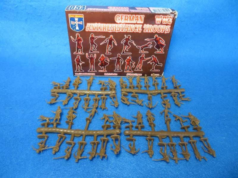 ORF054 WWII German Antiresistance Troops (25MM) 48 figures