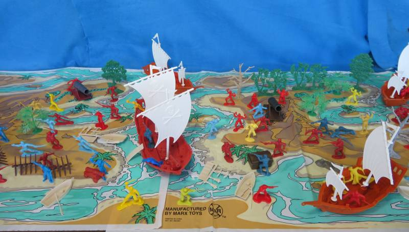 Pirate Lagoon playset-over 150 pieces, 54mm