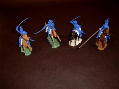 French Cavalry 4 mounted w/4 horses & accessories  (blue) <font color=#CC0000>(54mm) </FONT>