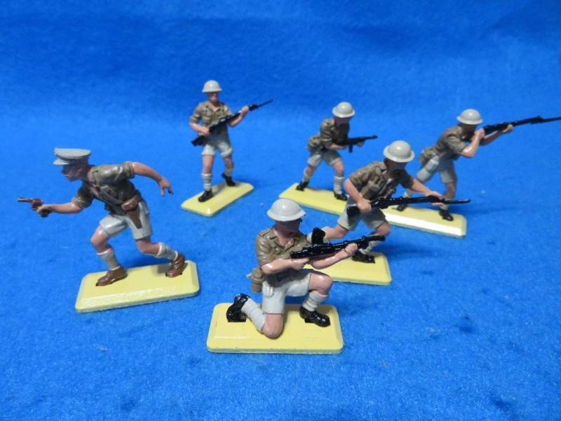 Britains Deetail WWII British 8th army, set of 6, Mint, 1/32